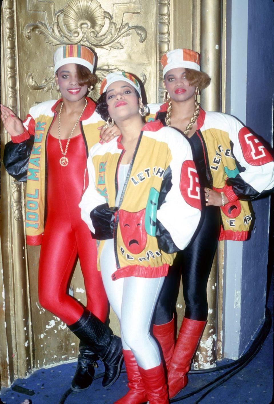 <p>Salt-N-Pepa in matching looks and accessories for an official portrait session. </p>