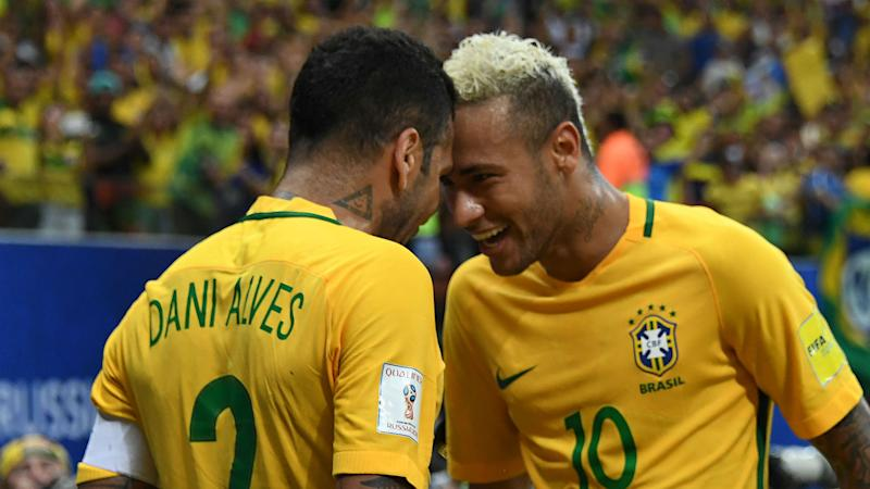 Dani Alves denies tapping up Neymar over PSG move