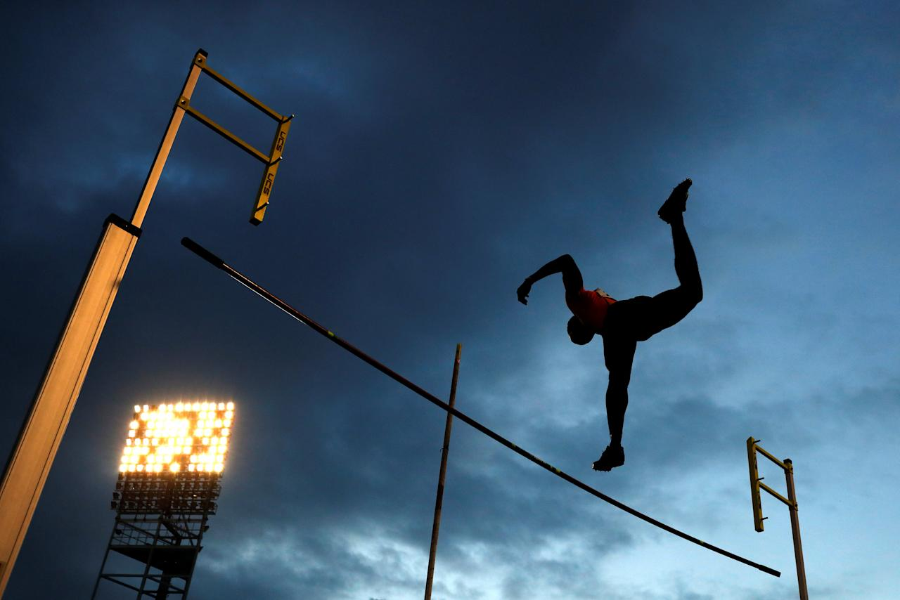Athletics - JAAA National Senior Championships - National Stadium Kingston, Jamaica - June 23, 2017 Jamaica's Akeem Kerr in action during the Men's pole vault final REUTERS/Lucy Nicholson       TPX IMAGES OF THE DAY
