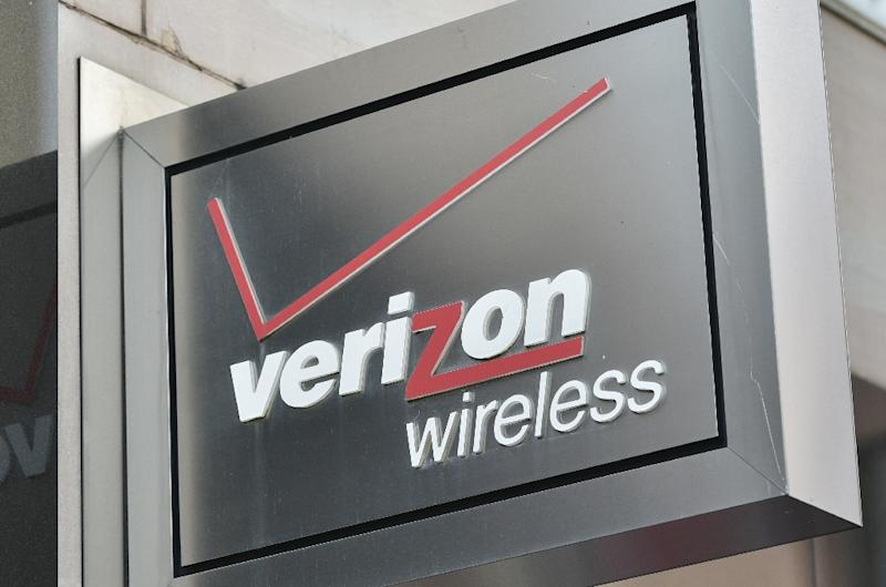 Verizon says to shed 10400 jobs by mid next year