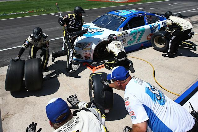 "This pit stop went according to plan for <a class=""link rapid-noclick-resp"" href=""/nascar/nationwide/drivers/2937"" data-ylk=""slk:Chris Buescher"">Chris Buescher</a>. His first on Sunday did not. (Getty)"