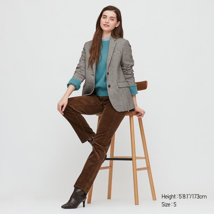 "<br><br><strong>Uniqlo</strong> Tweed Jacket, $, available at <a href=""https://go.skimresources.com/?id=30283X879131&url=https%3A%2F%2Fwww.uniqlo.com%2Fus%2Fen%2Fwomen-tweed-jacket-429479.html"" rel=""nofollow noopener"" target=""_blank"" data-ylk=""slk:Uniqlo"" class=""link rapid-noclick-resp"">Uniqlo</a>"