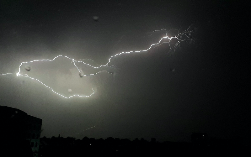 Lightning striking as a thunder storm passes over Basingstoke, Hampshire (Twitter/@lanttans/PA)