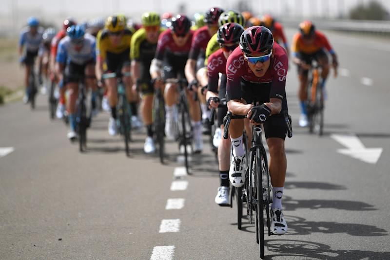 Andrey Amador leads the peloton