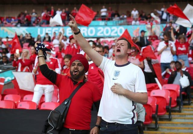 Fans start making a noise inside the ground