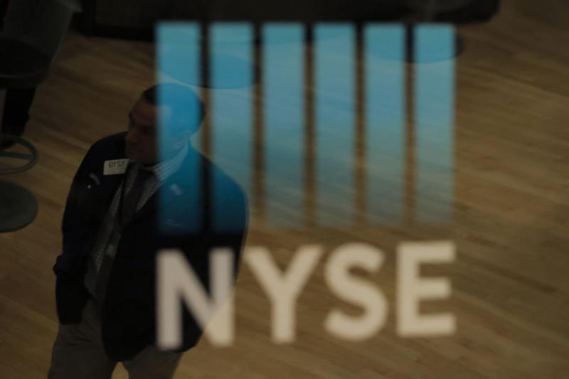Dow closes down 600 points after government stimulus package fails again