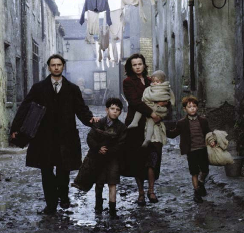 """<p>Based on Frank McCourt's Pulitzer Prize-winning autobiography, <em>Angela's Ashes</em> is a reverse of <em>Brooklyn</em> — it follows the life of a young boy who is uprooted from New York City and moved to Limerick, Ireland. McCourt's writings also inspired two animated Netflix Christmas movies, <em><a href=""""https://www.netflix.com/title/80230507"""" rel=""""nofollow noopener"""" target=""""_blank"""" data-ylk=""""slk:Angela's Christmas"""" class=""""link rapid-noclick-resp"""">Angela's Christmas</a></em> and <em><a href=""""https://www.netflix.com/title/81151926"""" rel=""""nofollow noopener"""" target=""""_blank"""" data-ylk=""""slk:Angela's Christmas Wish"""" class=""""link rapid-noclick-resp"""">Angela's Christmas Wish</a></em>. </p><p><a class=""""link rapid-noclick-resp"""" href=""""https://www.amazon.com/Angelas-Ashes-Emily-Watson/dp/B002RTFHUU?tag=syn-yahoo-20&ascsubtag=%5Bartid%7C10055.g.26252481%5Bsrc%7Cyahoo-us"""" rel=""""nofollow noopener"""" target=""""_blank"""" data-ylk=""""slk:AMAZON"""">AMAZON</a> <a class=""""link rapid-noclick-resp"""" href=""""https://go.redirectingat.com?id=74968X1596630&url=https%3A%2F%2Fitunes.apple.com%2Fus%2Fmovie%2Fangelas-ashes%2Fid317295699&sref=https%3A%2F%2Fwww.goodhousekeeping.com%2Flife%2Fentertainment%2Fg26252481%2Fbest-irish-movies%2F"""" rel=""""nofollow noopener"""" target=""""_blank"""" data-ylk=""""slk:ITUNES"""">ITUNES</a></p>"""