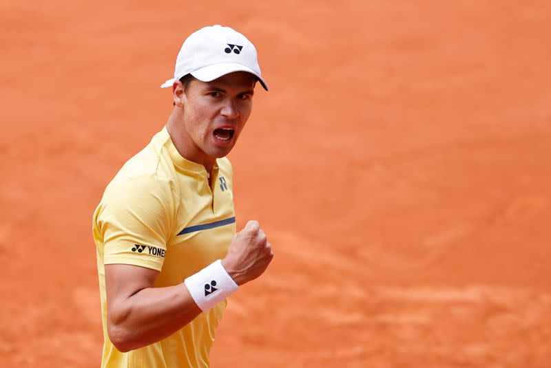 German qualifier Altmaier stuns seventh seed Berrettini