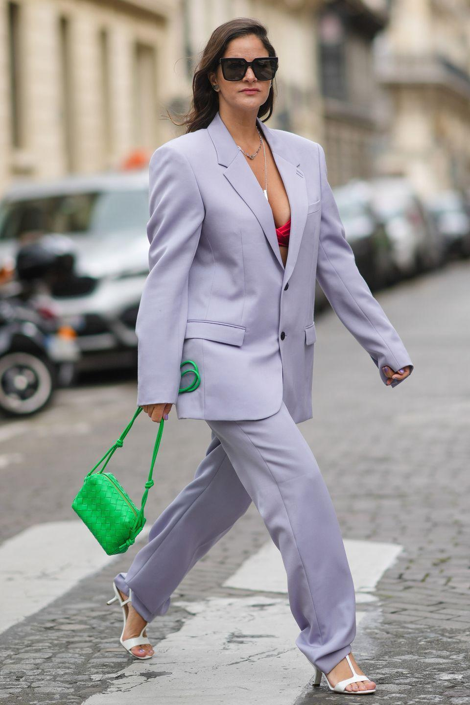 <p>Clashing colours is one way to make your outfit stand-out, demonstrated here with the pairing of lilac and bright green. </p>