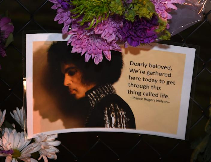 "<div class=""inline-image__caption""><p>Messages left by fans outside the Paisley Park residential compound of music legend Prince in Minneapolis, Minnesota, on April 21, 2016.</p></div> <div class=""inline-image__credit"">Mark Ralston/AFP/Getty</div>"