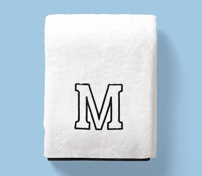 "<p><strong>Weezie Towels</strong></p><p>weezietowels.com</p><p><strong>$58.00</strong></p><p><a href=""https://go.redirectingat.com?id=74968X1596630&url=https%3A%2F%2Fweezietowels.com%2Fproducts%2Fpiped-edge-bath-towel&sref=https%3A%2F%2Fwww.countryliving.com%2Flife%2Fg32368852%2Fgifts-dad-wants-nothing%2F"" rel=""nofollow noopener"" target=""_blank"" data-ylk=""slk:Shop Now"" class=""link rapid-noclick-resp"">Shop Now</a></p><p>Give Dad's bathroom a makeover this Father's Day without having to do a single renovation! He might not care to admit it, but he'll definitely appreciate a fresh set of fluffy, 100% cotton towels branded with his monogram.</p>"