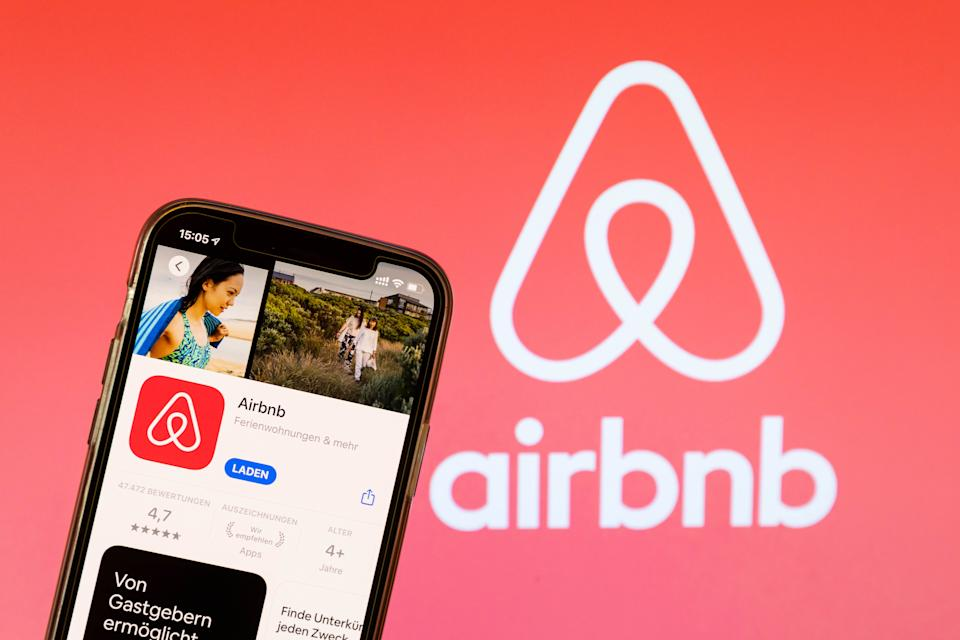 BARGTEHEIDE, GERMANY - MAY 04: (BILD ZEITUNG OUT)  In this photo illustration, a Airbnb App in the IOS App Store on May 04, 2021 in Bargteheide, Germany. (Photo by Katja Knupper/Die Fotowerft/DeFodi Images via Getty Images)