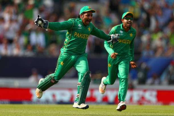 LONDON, ENGLAND - JUNE 18: Sarfraz Ahmed of Pakistan celebrates taking the final wicket catch as Pakistan win the ICC Champions trophy cricket match between India and Pakistan at The Oval in London on June 18, 2017 (Photo by Clive Rose/Getty Images)