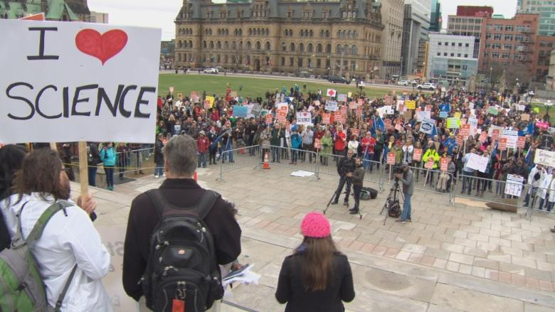 Marchers show solidarity with U.S. scientists at Earth Day rally in Ottawa
