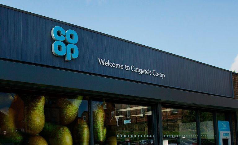 """<p>Co-op don't provide an online delivery service but they can deliver everything to your home for free when you shop in store and spend over £25. </p><p>The supermarket's Christmas range will drop in December.</p><p><a class=""""link rapid-noclick-resp"""" href=""""https://www.coop.co.uk/products/christmas"""" rel=""""nofollow noopener"""" target=""""_blank"""" data-ylk=""""slk:BROWSE THE RANGE"""">BROWSE THE RANGE</a></p>"""