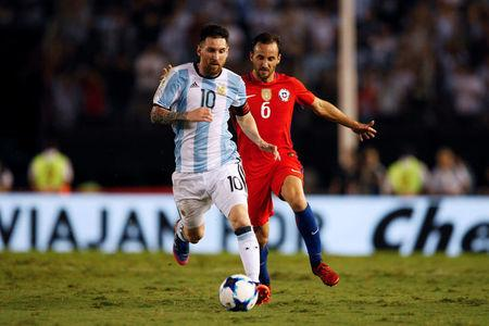 Football Soccer - Argentina v Chile - World Cup 2018 Qualifiers