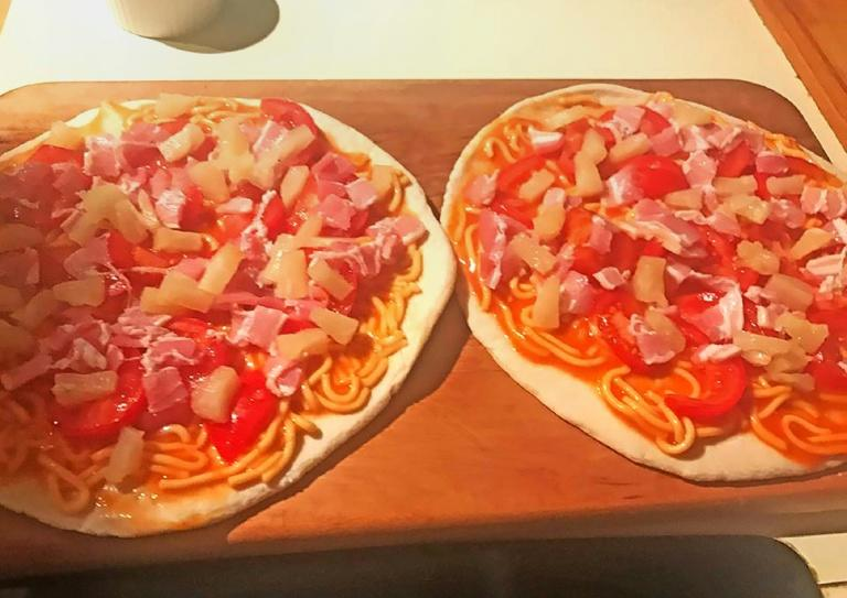 A Facebook photo from New Zealand Prime Minister Bill English shows the pizzas he made that sent fans of the Italian treat into an outraged frenzy