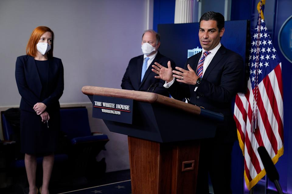 After the Oval Office meeting, Miami Mayor Francis Suarez spoke at a White House press briefing as Biden Press Secretary Jen Psaki and Detroit Mayor Mike Duggan listened.