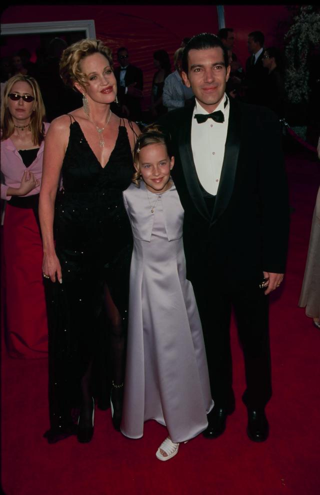 Melanie Griffith, Dakota Johnson and Antonio Banderas, a presenter, at the 2000 Annual Academy Awards. (Photo: The LIFE Picture Collection via Getty Images)