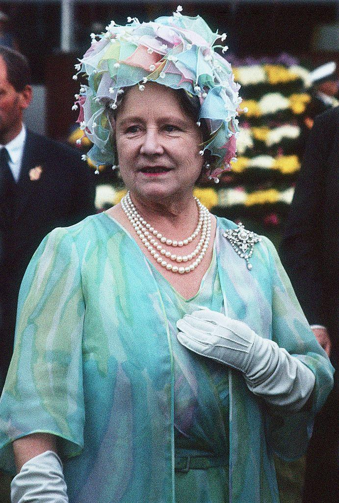 <p>Don't ever count the Queen Mother out of a royal style competition. Like her daughters, Elizabeth and Margaret, she knew her way around millinery.<br></p>