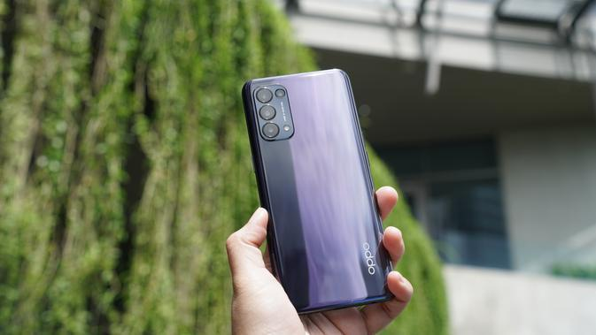 Oppo Reno5 Starry Black (Foto: Oppo Indonesia)