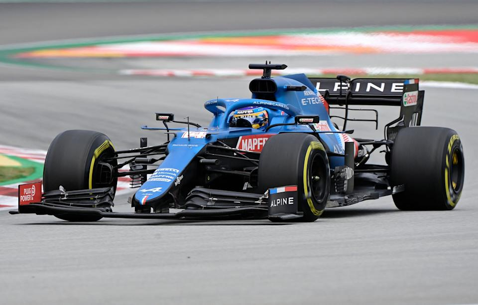 Alpine's Spanish driver Fernando Alonso drives during the Spanish Formula One Grand Prix race at the Circuit de Catalunya on May 9, 2021 in Montmelo on the outskirts of Barcelona. (Photo by JAVIER SORIANO / AFP) (Photo by JAVIER SORIANO/AFP via Getty Images)