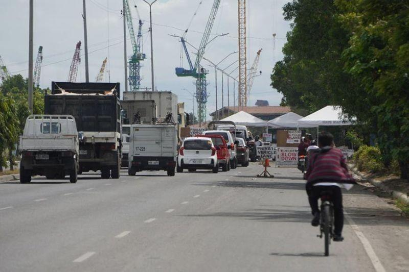 Reduced distance in PUVs attracts mixed views