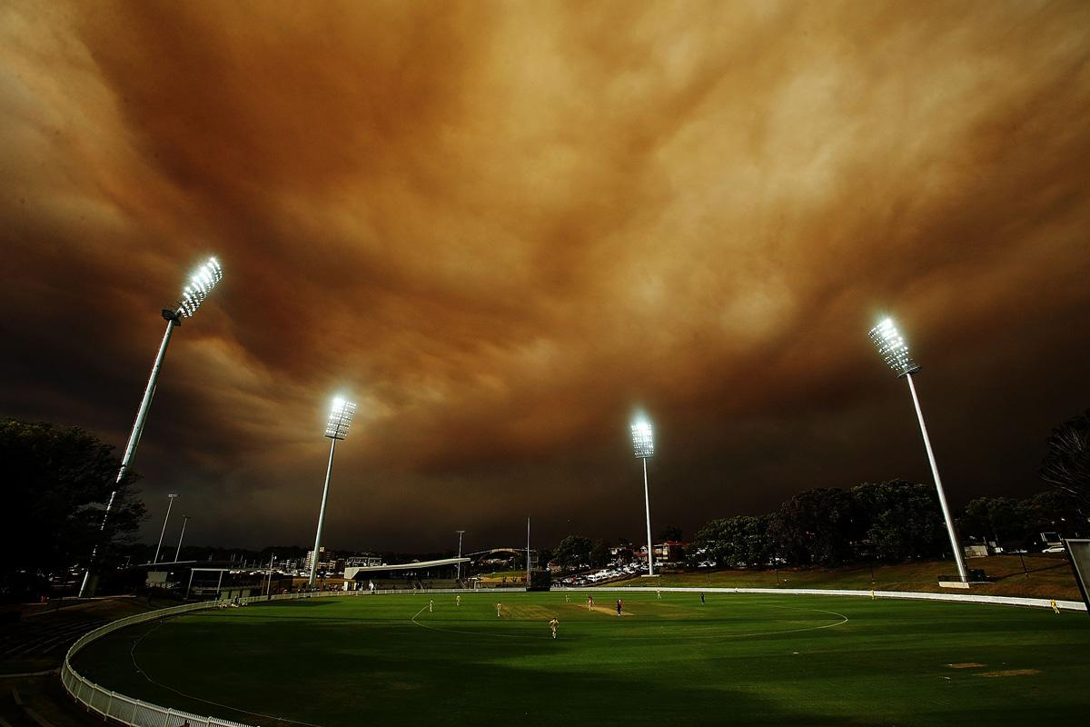 A general view of play during the Ryobi Cup cricket match between the South Australian Redbacks and the Western Australia Warriors at Drummoyne Oval on October 17, 2013 in Sydney, Australia. Sydney is shrouded in a haze of smoke as brushfires rage in the western Sydney suburbs of Springwood, Winmalee and Lithgow.  (Photo by Mark Metcalfe/Getty Images)