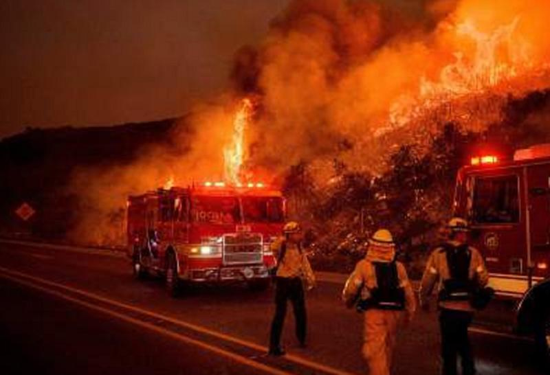 nuovo incendio california