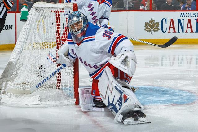 "The Rangers would love to move <a class=""link rapid-noclick-resp"" href=""/nhl/players/2645/"" data-ylk=""slk:Henrik Lundqvist"">Henrik Lundqvist</a>, but it doesn't seem like they can. (Francois Laplante/NHLI via Getty Images)"