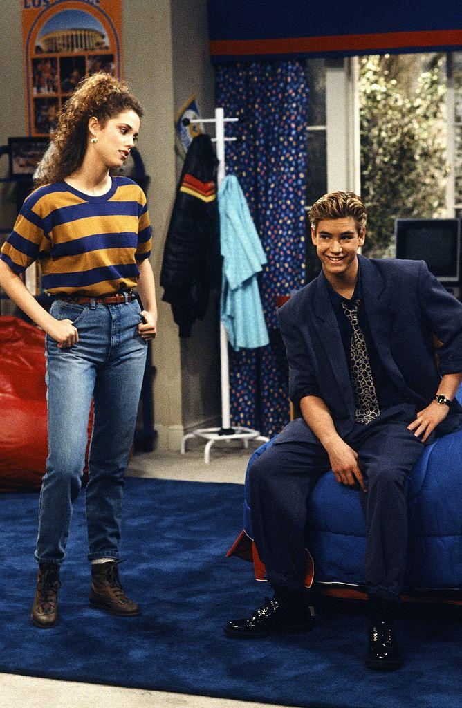 "Elizabeth Berkley and Mark-Paul Gosselaar star in another 1990 episode of ""Saved by the Bell."" (Photo: Gary Null/NBCU Photo Bank)"