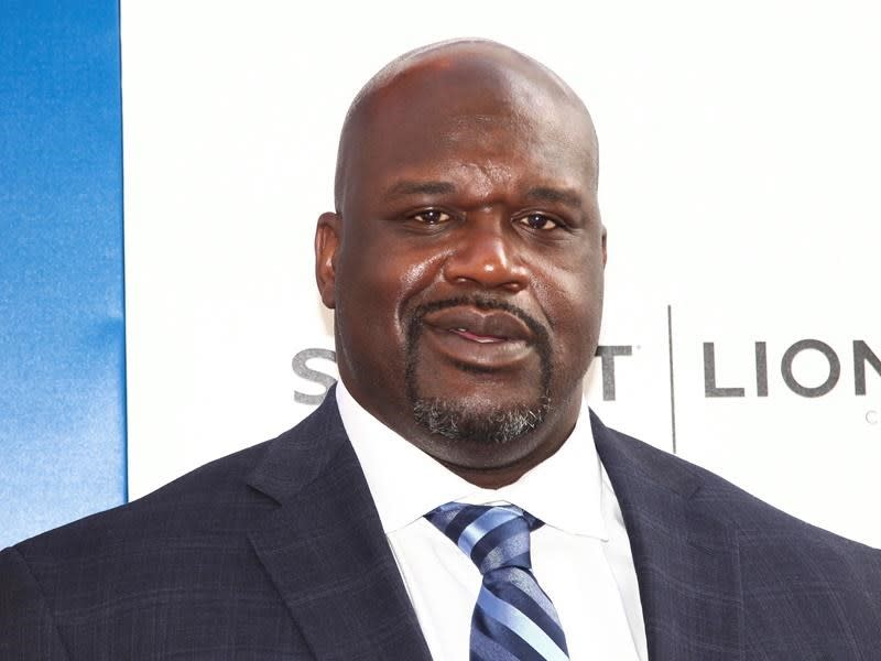 Papa John's scores Shaq to help revive its image