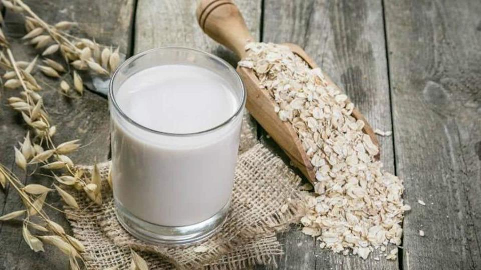Oat Milk: Health benefits and how to make it