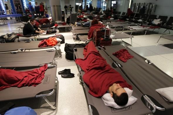 Hurricane Sandy: Flight cancellations to cause travel chaos all week