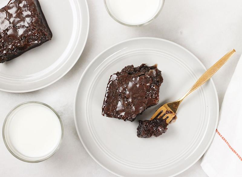 slices of coca cola cake with milk ready to serve