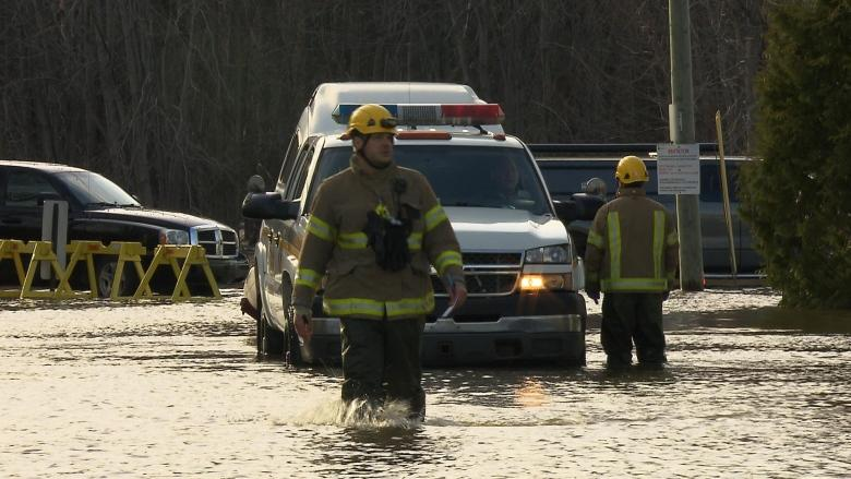 SQ officers on overnight patrol in Rigaud after flooding prompts state of emergency