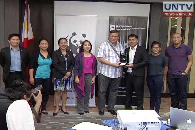 """<p> Several cities in the Philippines receive trophies for participating in the Earth Hour City Challenge of the World Wide Fund for nature or WWF which ran from 2015 to 2016. The challenge aims to highlight, recognize and support city governments that are making long-term efforts to combat climate change. Out of the seven participating […]</p> <p>The post <a rel=""""nofollow"""" rel=""""nofollow"""" href=""""https://www.untvweb.com/news/environment-friendly-philippine-cities-receive-recognition/"""">Environment-friendly Philippine cities receive recognition</a> appeared first on <a rel=""""nofollow"""" rel=""""nofollow"""" href=""""https://www.untvweb.com/news"""">UNTV News</a>.</p>"""