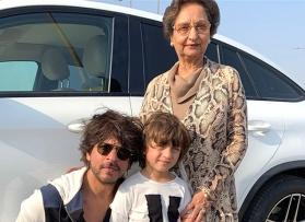 Gauri Khan wishes her mom with an adorable picture of her with Shah Rukh and AbRam