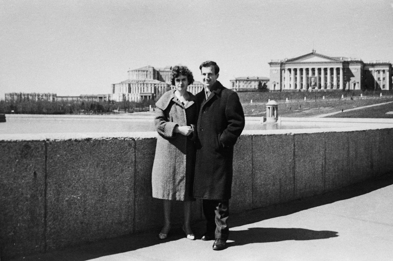 <p>Marina Nikolayevna Prusakova and Lee Harvey Oswald stand in a park in Russia. The couple would wed and move to the United States. (Photo: Corbis via Getty Images) </p>