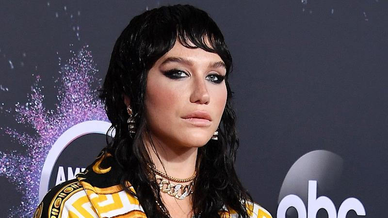 2019 AMAs: Kesha Rocks Versace for First Awards Show Red Carpet in a Year