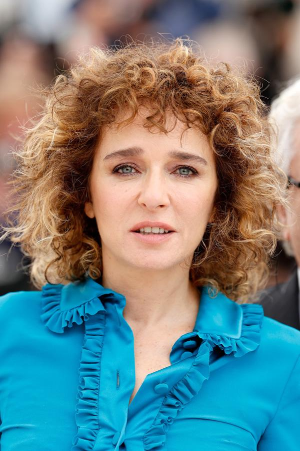 <p>El look beauty de Valeria Golino en Cannes 2016.</p>