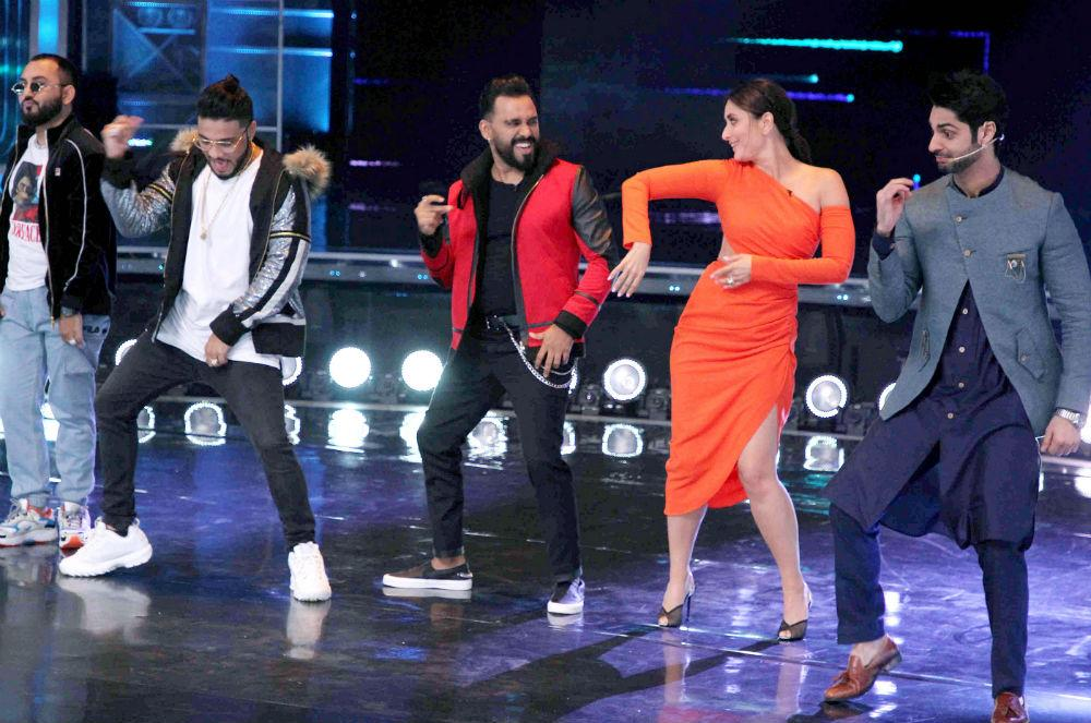 Kareena Kapoor Khan dances to the beat of 'Prada'