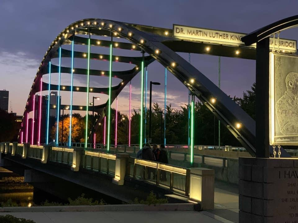 """<h1 class=""""title"""">Fort Wayne, IN: Dr. Martin Luther King Jr. Memorial Bridge</h1><cite class=""""credit"""">Courtesy of #LightUpMBC</cite>"""