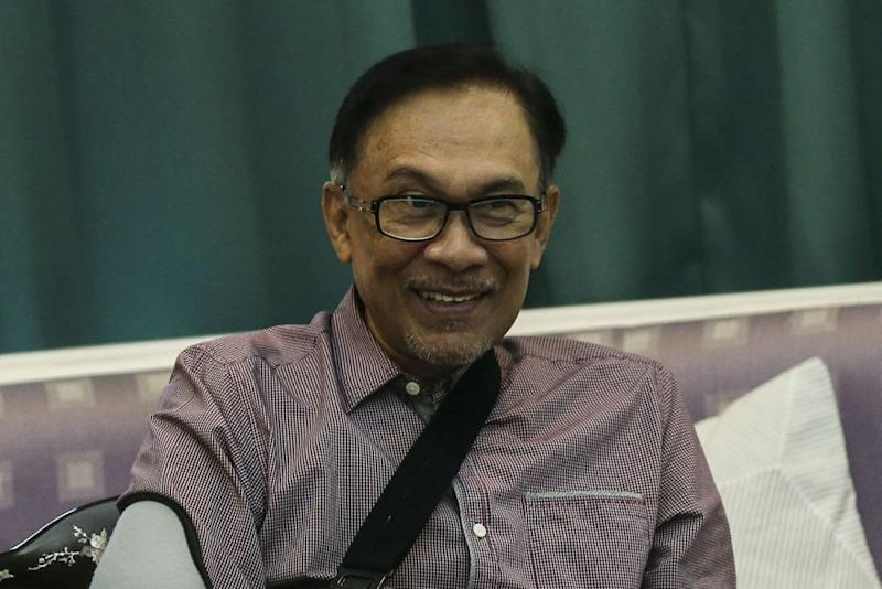 Anwar said it is not right to insult or ridicule Islam and Prophet Muhammad. — Picture by Hari Anggara