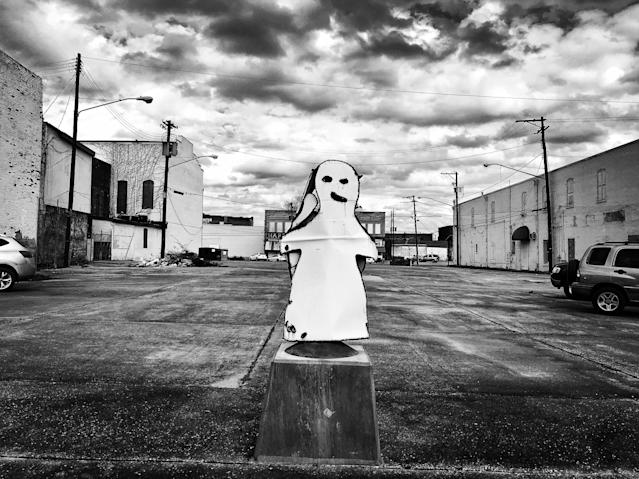 <p>A statue of a ghost on display in downtown Selma, Ala. (Photo: Holly Bailey/Yahoo News) </p>
