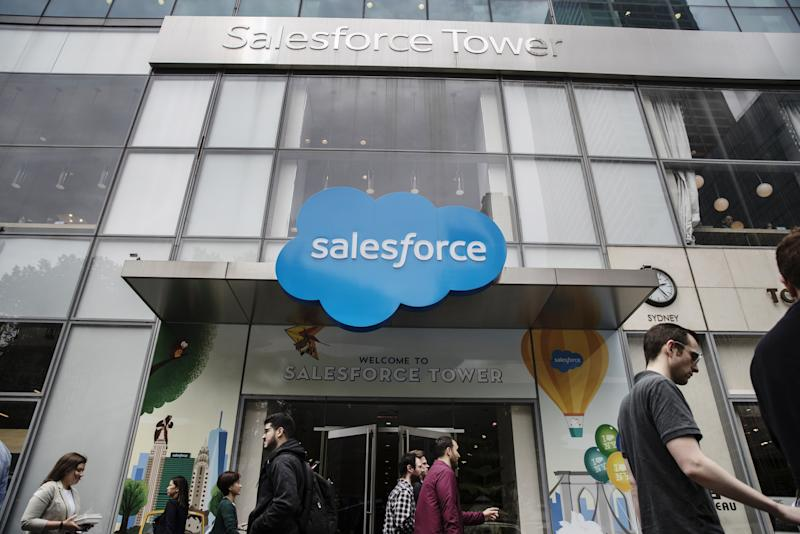 Salesforce buys Tableau for $15.7bn