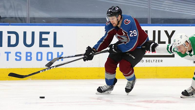 Nathan MacKinnon wins 2020 Lady Byng Trophy