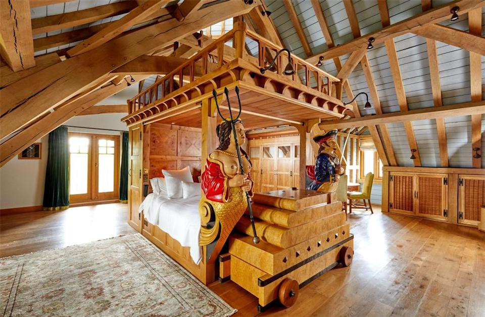 The pirate-themed master bedroom (RightMove)