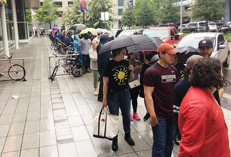 People wait in line to volunteer at George R. Brown Convention Center in Houston.<i></i> (Andy Campbell/HuffPost)