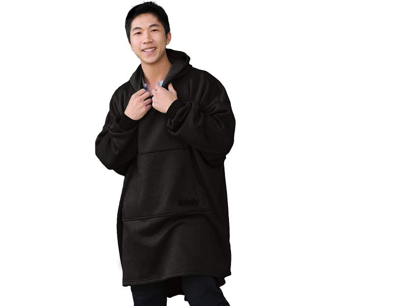 If a slanket and a sweatshirt had a baby, it would be this awesome hoodie. (Photo: Amazon)